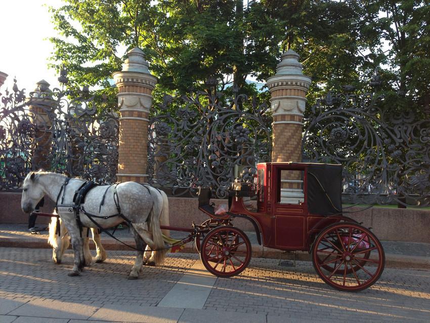 В Петербурге все еще живы старые традиции
