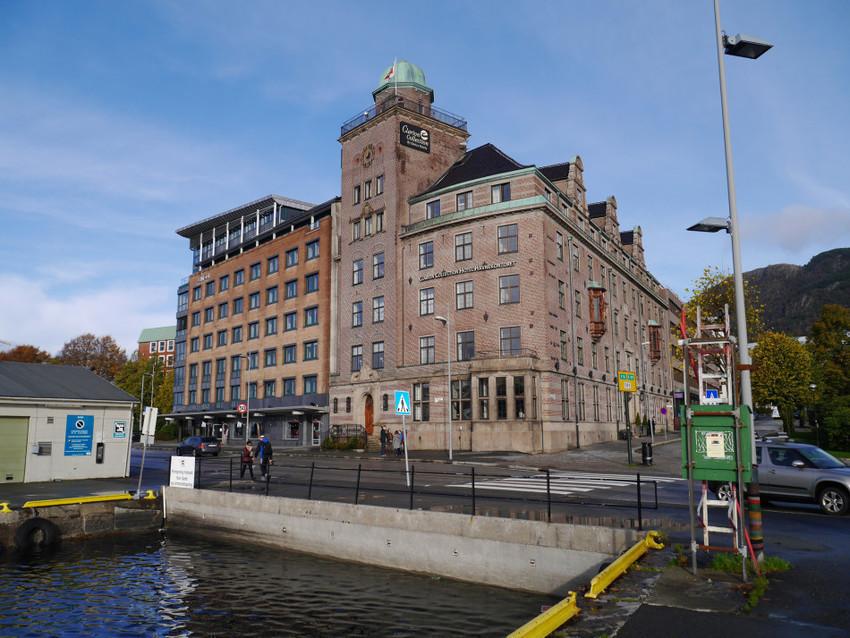 Музей и отель рядом
