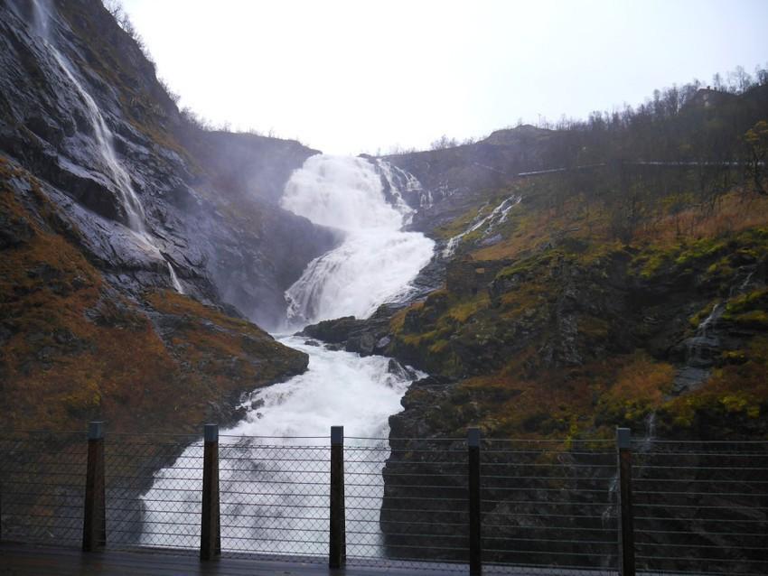 Водопад Шесфоссен