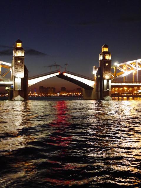 Большеохтинский мост развод