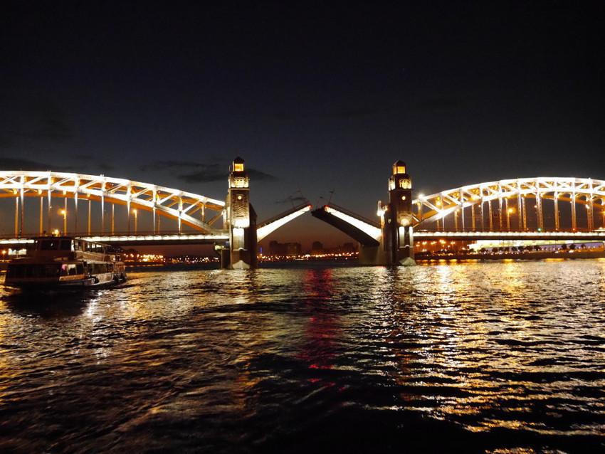 Мосты над Невой