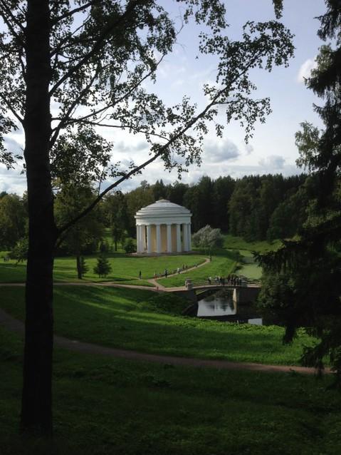 Беседка в Павловском парке