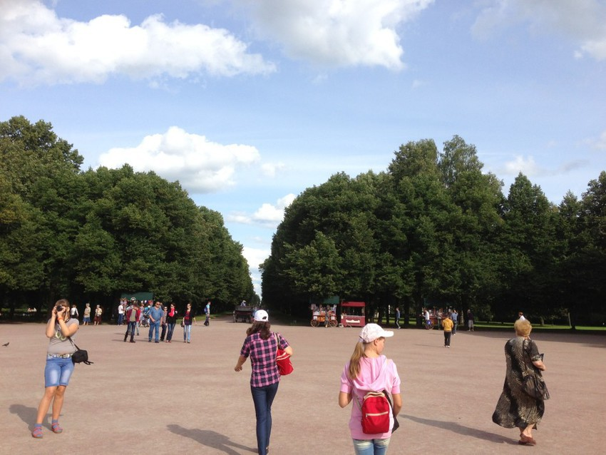Площадь около дворца
