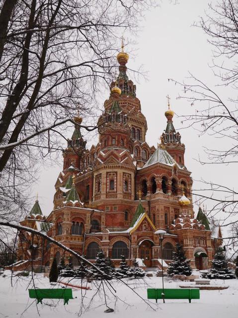 Собор в Петергофе (достопримечательности города)
