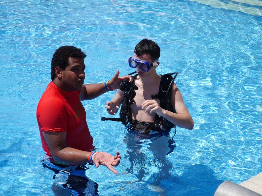 Дайвинг-обучение в бассейне