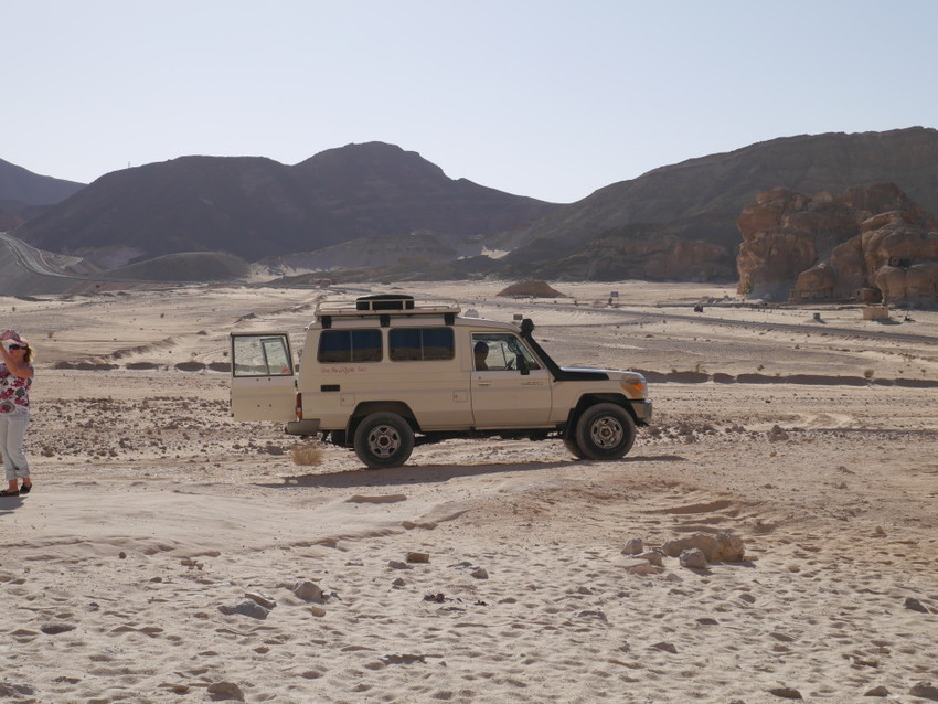 Наш транспорт по пустыне