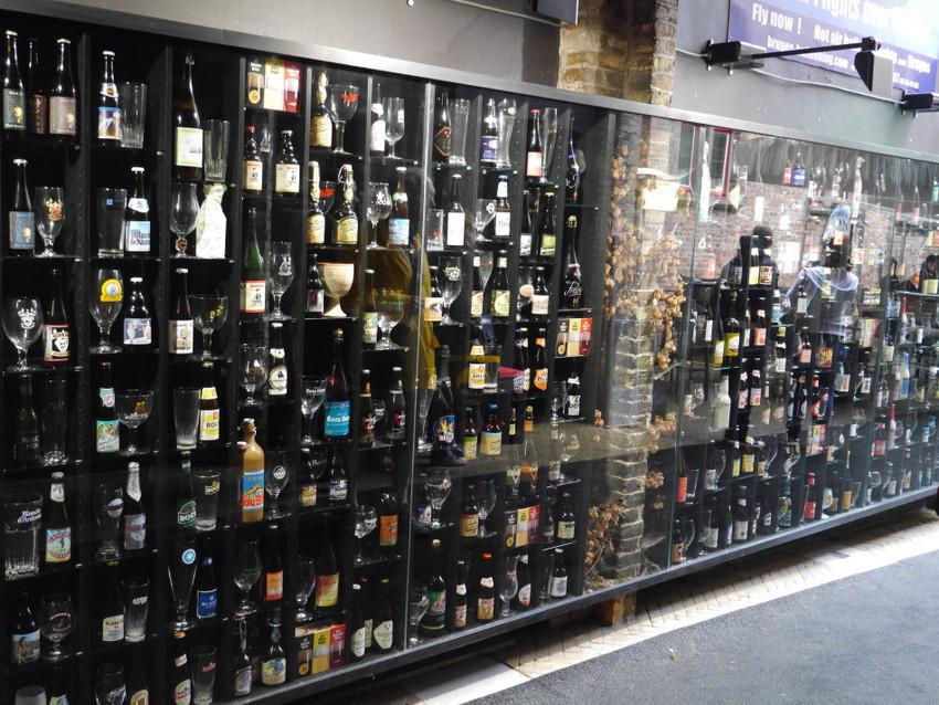 Пивная стена в Брюгге