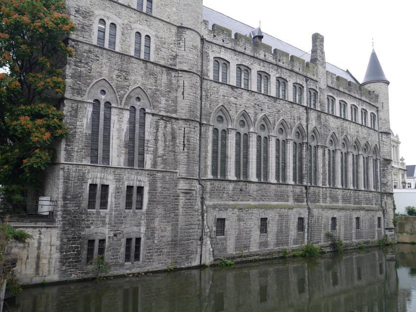 Лакенхалле – здание гильдии ткачей