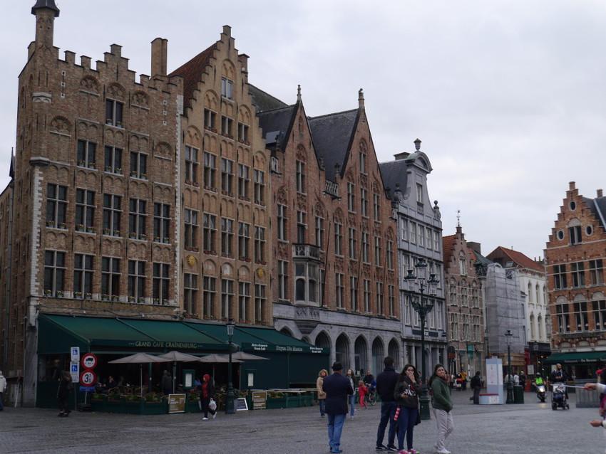 Площадь Маркт с многочисленными кафе