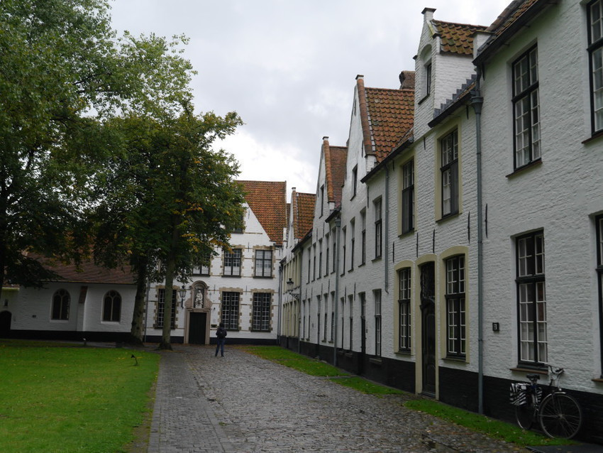 Дома Бегинок и внутренний дворик