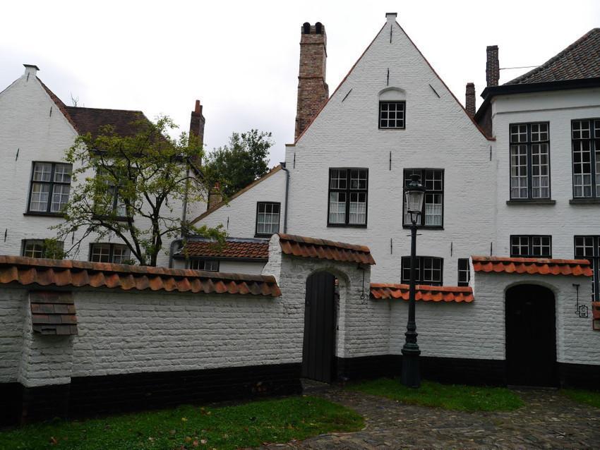 Внутренний дворик Бегинхофа