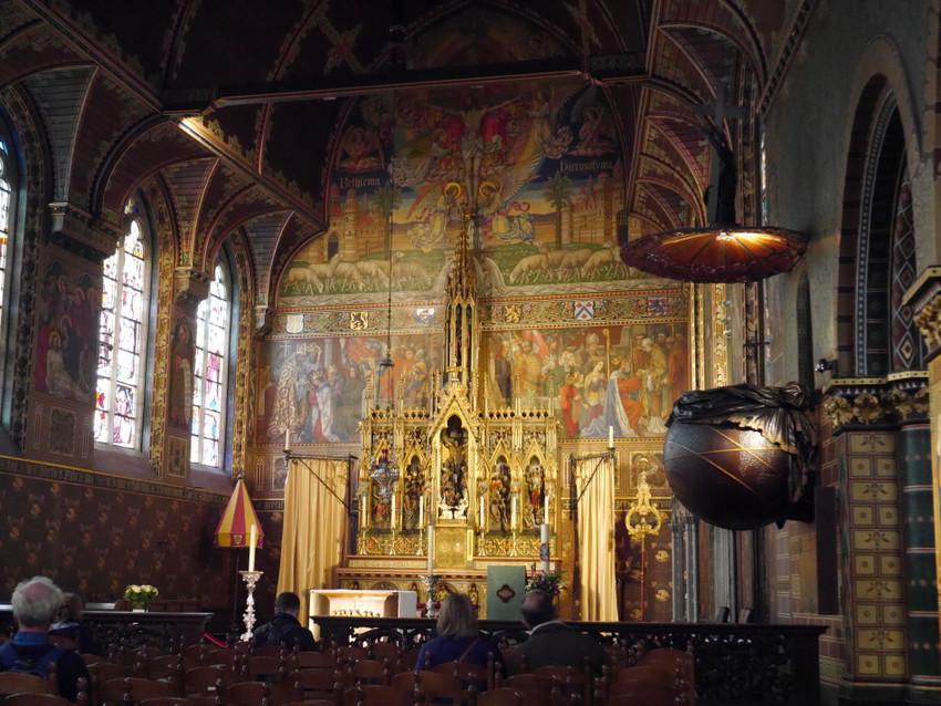 Алтарь собора Сан Сальватор