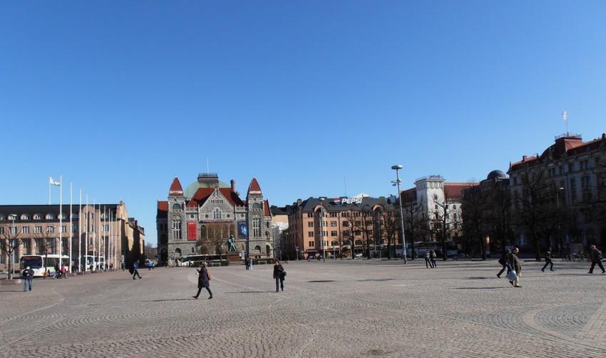 Привокзальная площадь в Хельсинки