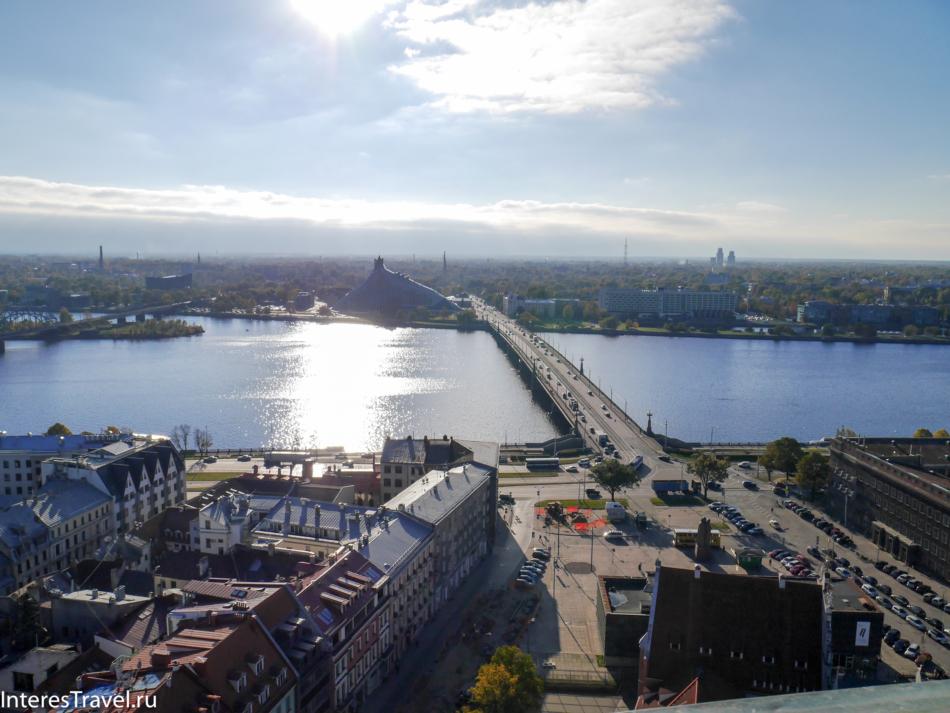 Вид на Ригу с обзорной площадки. Река