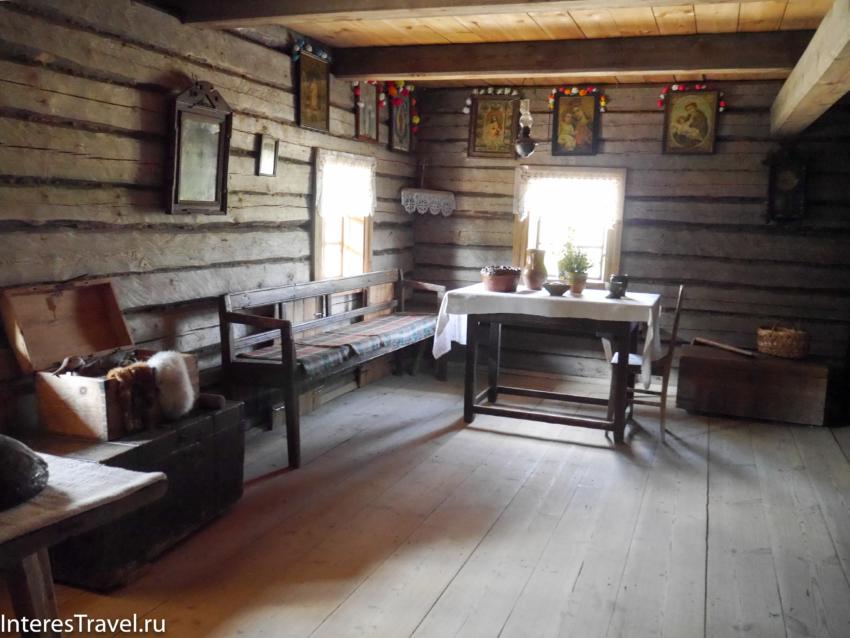 Белорусский музей народной архитектуры и быта. Внутри жилища