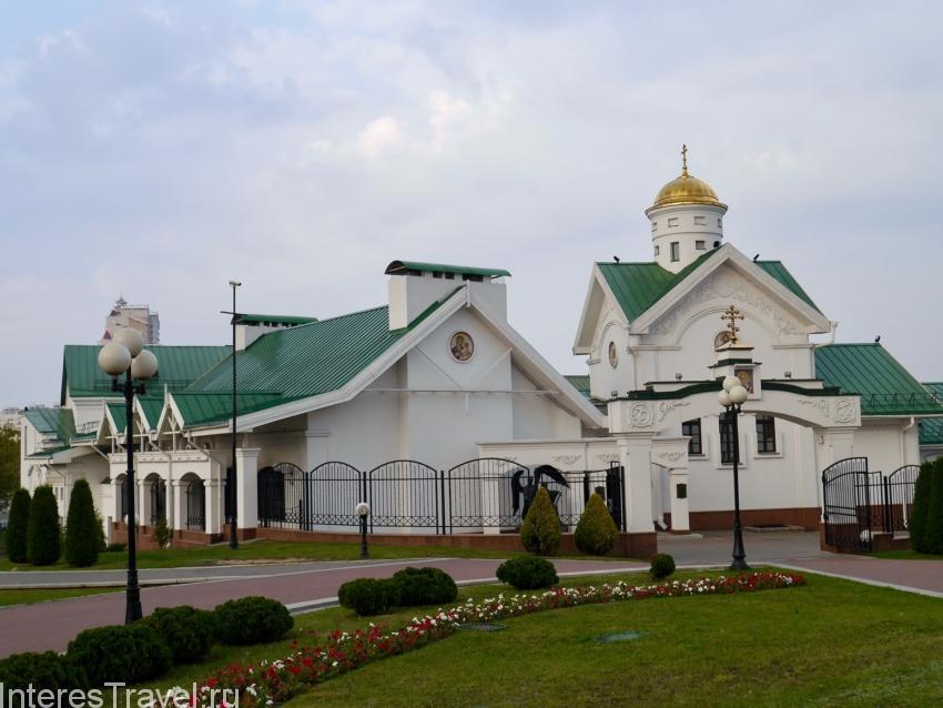 Еще несколько церквей в Верхней части города.