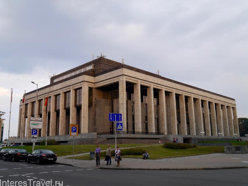 Советская тяжеловесная архитектура Минска