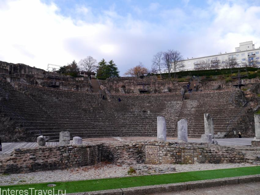 Гало-Римский амфитеатр.
